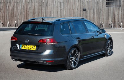 2016 Volkswagen Golf GTD Estate - UK version 9