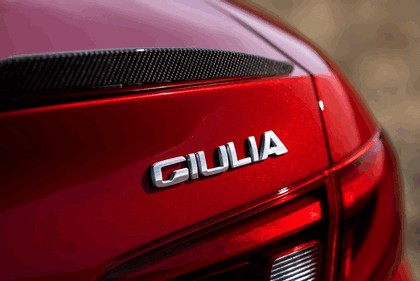 2015 Alfa Romeo Giulia Quadrifoglio - USA version 45