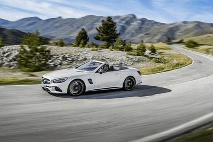 2015 Mercedes-AMG SL 63 13
