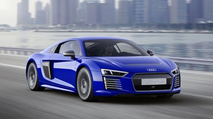 2015 Audi R8 e-tron piloted driving 1