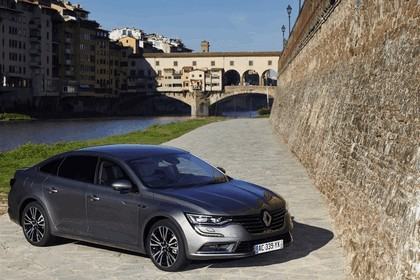 2015 Renault Talisman - test drive in Tuscany 4
