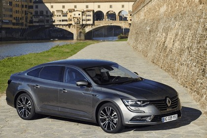 2015 Renault Talisman - test drive in Tuscany 5