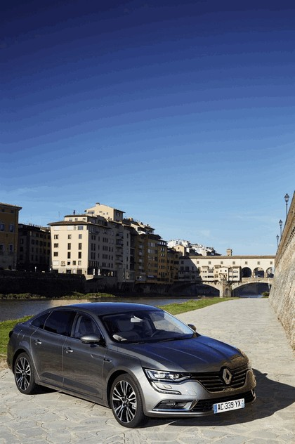 2015 Renault Talisman - test drive in Tuscany 7