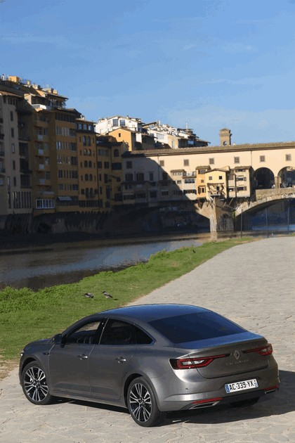 2015 Renault Talisman - test drive in Tuscany 9