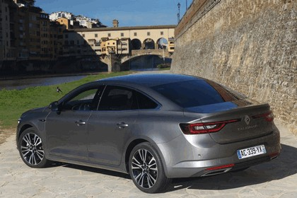 2015 Renault Talisman - test drive in Tuscany 10
