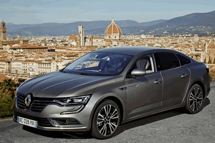 2015 Renault Talisman - test drive in Tuscany 11