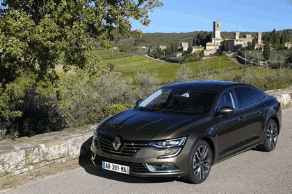 2015 Renault Talisman - test drive in Tuscany 13