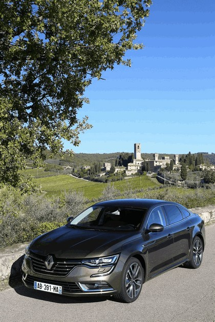 2015 Renault Talisman - test drive in Tuscany 14
