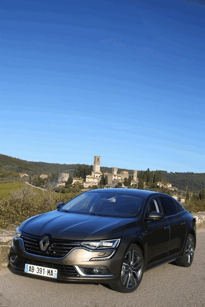 2015 Renault Talisman - test drive in Tuscany 17