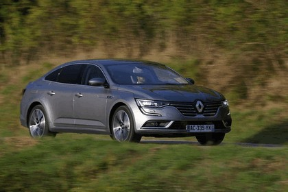 2015 Renault Talisman - test drive in Tuscany 18