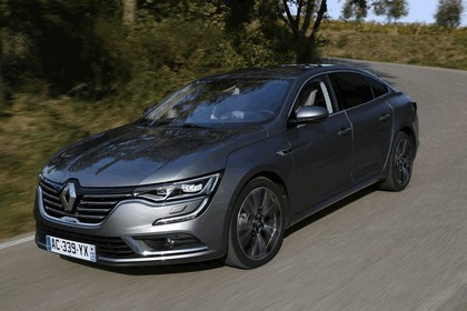 2015 Renault Talisman - test drive in Tuscany 25