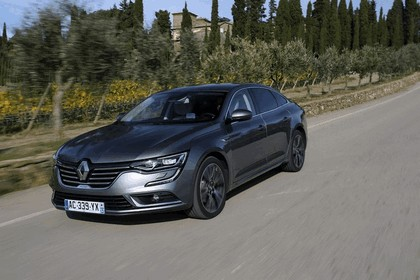 2015 Renault Talisman - test drive in Tuscany 26