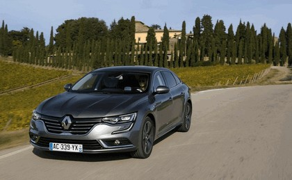 2015 Renault Talisman - test drive in Tuscany 27