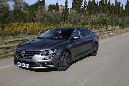 2015 Renault Talisman - test drive in Tuscany 30