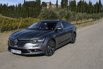 2015 Renault Talisman - test drive in Tuscany 31