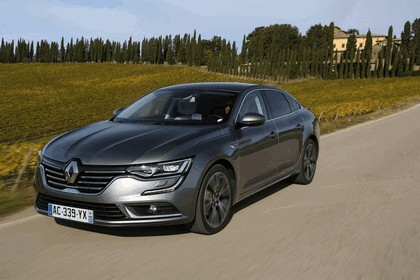 2015 Renault Talisman - test drive in Tuscany 32