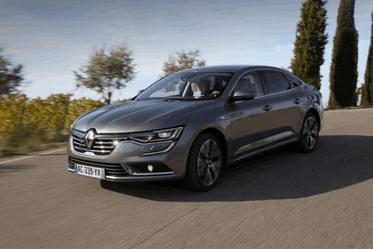 2015 Renault Talisman - test drive in Tuscany 34