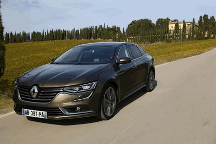 2015 Renault Talisman - test drive in Tuscany 39