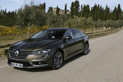 2015 Renault Talisman - test drive in Tuscany 43