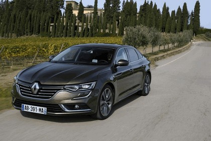 2015 Renault Talisman - test drive in Tuscany 44