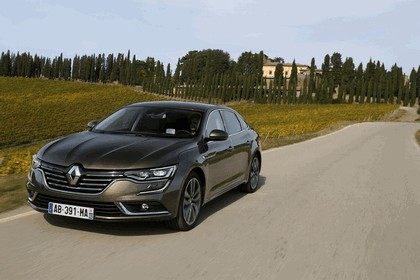 2015 Renault Talisman - test drive in Tuscany 45