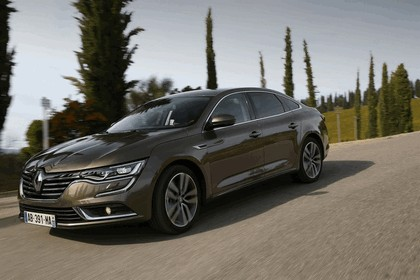 2015 Renault Talisman - test drive in Tuscany 46