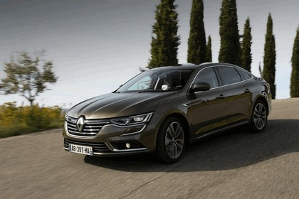 2015 Renault Talisman - test drive in Tuscany 47