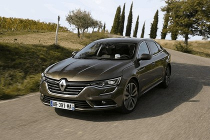 2015 Renault Talisman - test drive in Tuscany 48