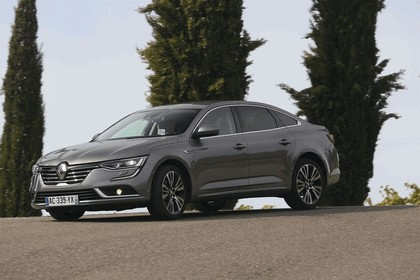 2015 Renault Talisman - test drive in Tuscany 49