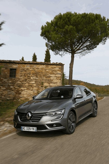2015 Renault Talisman - test drive in Tuscany 50