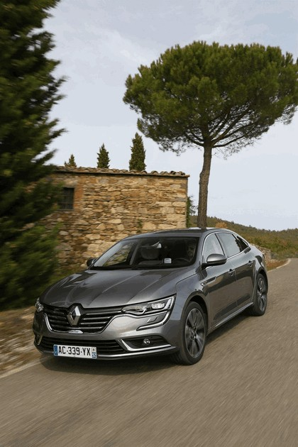 2015 Renault Talisman - test drive in Tuscany 51