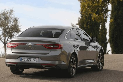 2015 Renault Talisman - test drive in Tuscany 52