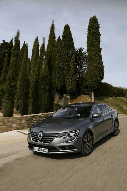 2015 Renault Talisman - test drive in Tuscany 53