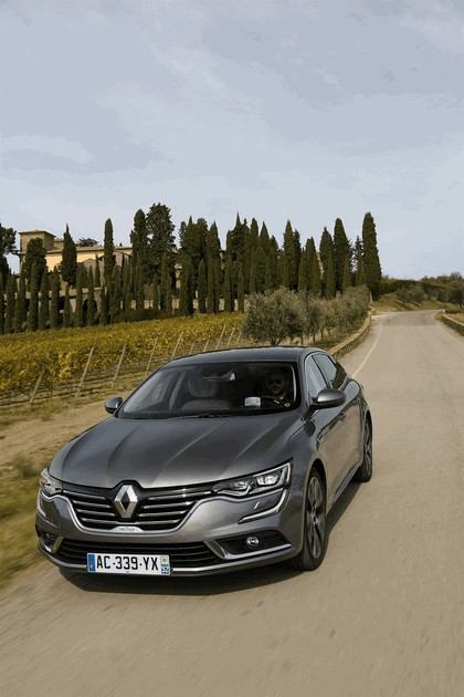 2015 Renault Talisman - test drive in Tuscany 57