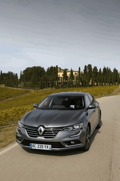 2015 Renault Talisman - test drive in Tuscany 59