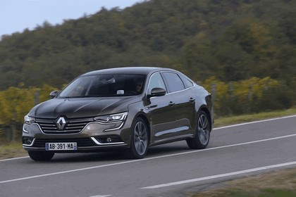 2015 Renault Talisman - test drive in Tuscany 61