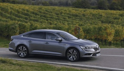 2015 Renault Talisman - test drive in Tuscany 63