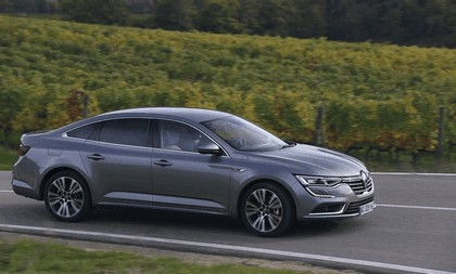 2015 Renault Talisman - test drive in Tuscany 64
