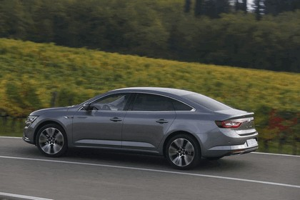2015 Renault Talisman - test drive in Tuscany 69