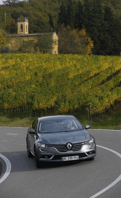 2015 Renault Talisman - test drive in Tuscany 71