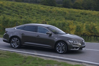 2015 Renault Talisman - test drive in Tuscany 72