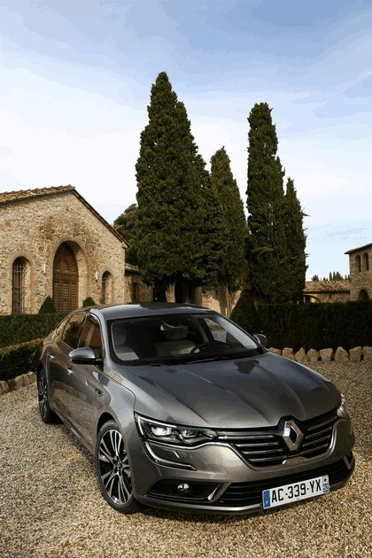 2015 Renault Talisman - test drive in Tuscany 79