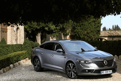 2015 Renault Talisman - test drive in Tuscany 81