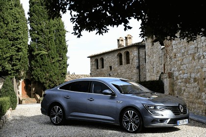 2015 Renault Talisman - test drive in Tuscany 82