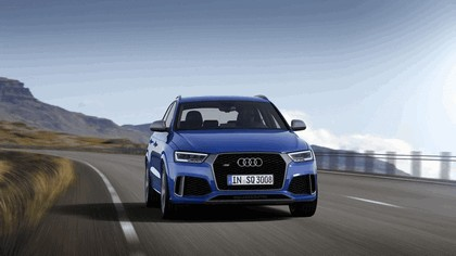 2016 Audi RS Q3 Amplified 10