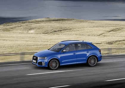2016 Audi RS Q3 Amplified 15