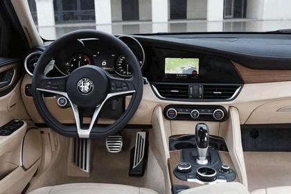 2016 Alfa Romeo Giulia 29