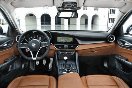 2016 Alfa Romeo Giulia 43