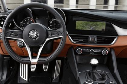 2016 Alfa Romeo Giulia 44