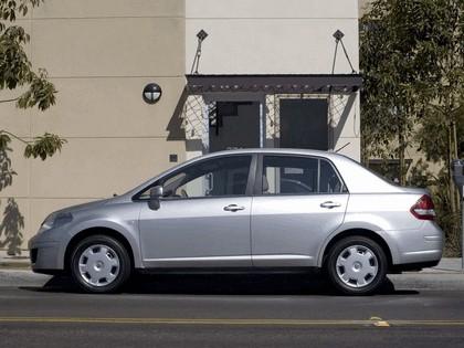 2007 Nissan Versa sedan 5